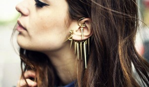 how-to-wear-ear-cuffs-12