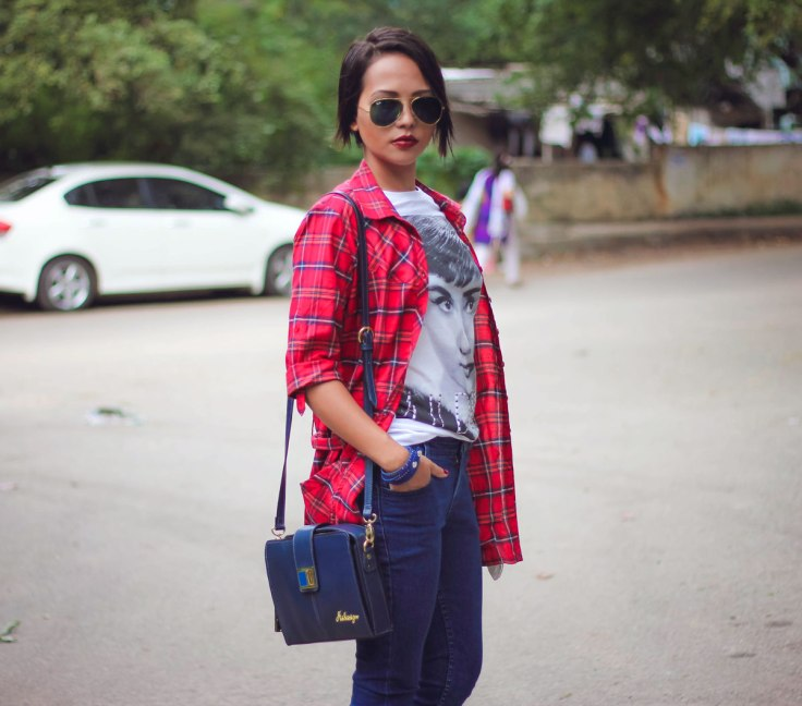Indian-Fashion-Streetstyle-Blog_Bighairloudmouth-wearing-Rayban-Aviators