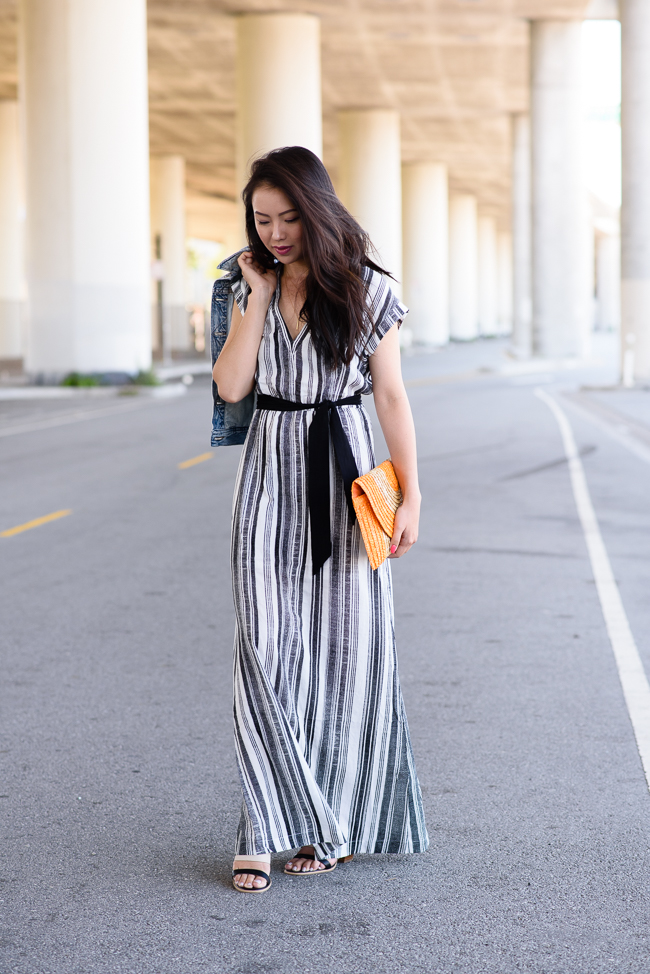 vertical-striped-dress-trend-straw-clutch-summer-trends-2015-2