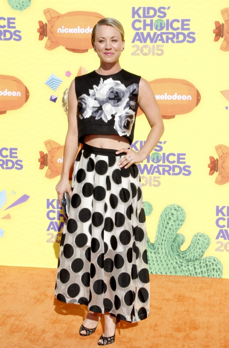 kaley-cuoco-floral-crop-top-polka-dot-skirt