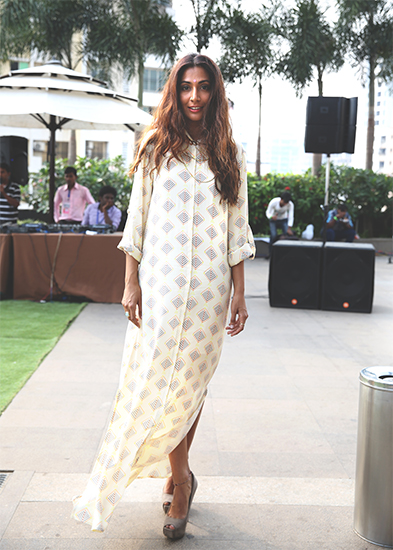 01-Monica-Dogra-6H4A0559-copy